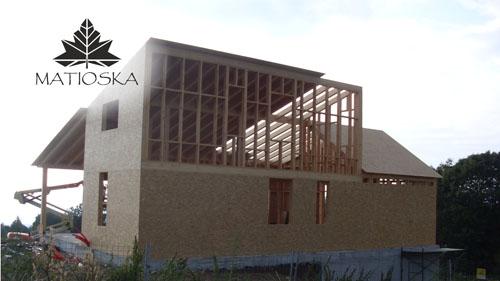 Casa de fusta a osona matioska disseny i construcci for Casa de lloguer a osona